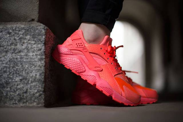 Huarache Hot Lava Damen