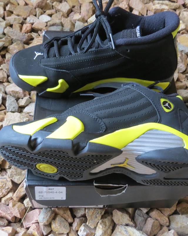 01b82e835680ef Air Jordan 14 Retro BG Black Vibrant Yellow-White