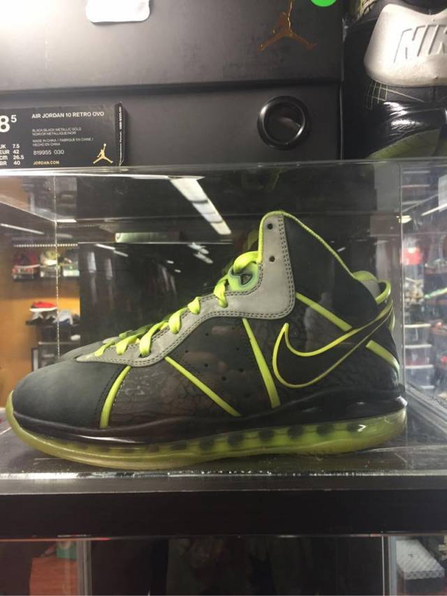 new styles ffdf9 13a07 Lebron 8 size 9.5 pre owned. 112   Kixify Marketplace