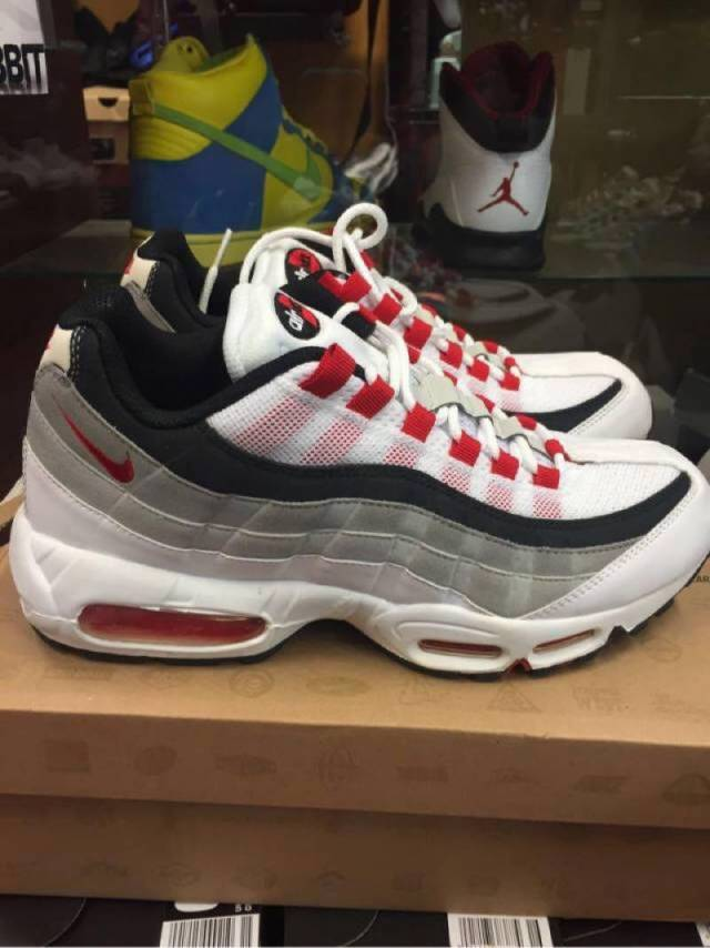 Nike Airmax Size 9.5 (Pre-Owned)