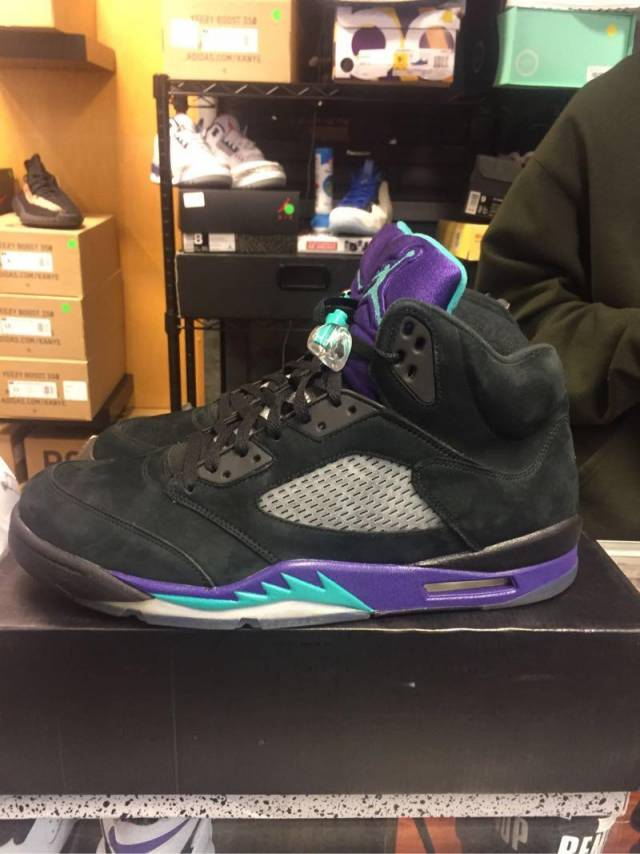 eba4684c2b63fb Jordan 5 black grape size 14 pre owned