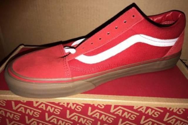 vans old skool red gum bottom