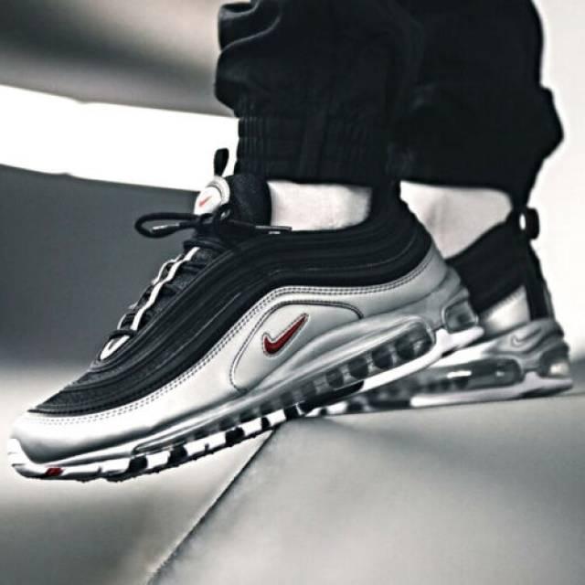silver black air max 97