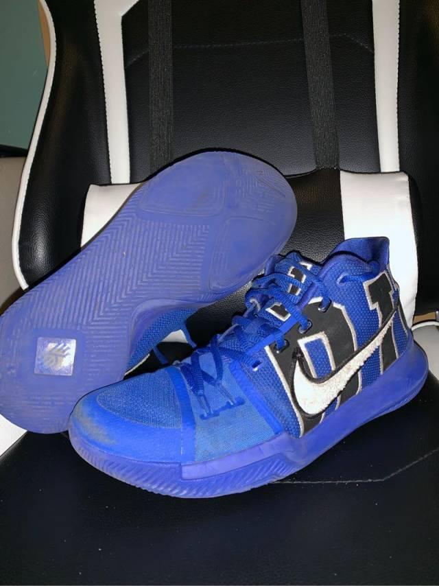 wholesale dealer 12711 3d4eb Nike Kyrie 3 Duke