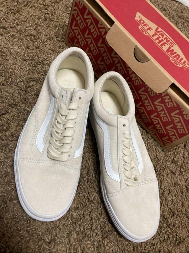 Vans Suede Creme Mens 7.5 Womens 9 Shoes. Condition is