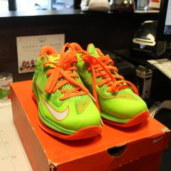 Nike lebron 1 highlighter