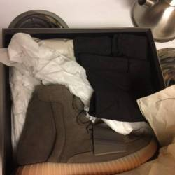 Yeezy 750 brown sz 11 brand new
