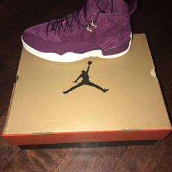 Air jordan 12 bordeaux