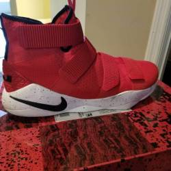 Nike zoom lebron soldier 12 un...