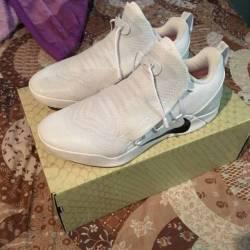 Size 10 kobe a.d nxt white/bla...