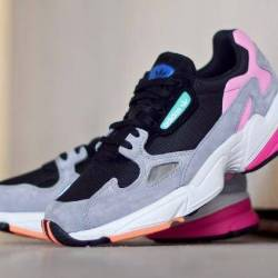 Adidas falcon core black light...