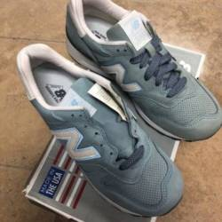 Size 8.5 men's new balance m...