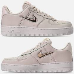 Nike air force 1 07 premium lx...