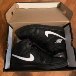 Jordan 1's black & white