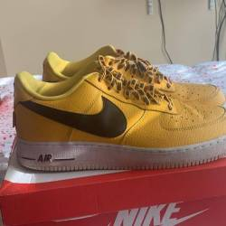 Nike air force 1 low statement...