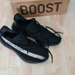 Adidas Yeezy Boost 350 V2 Black White. BY1604