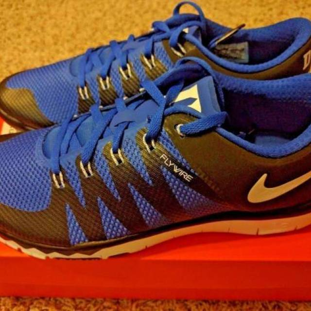 free shipping f2804 d3c48 Nike Free 5.0 V6 Duke Blue Devils Black Midnight Madness Kyrie Training All  NEW   Kixify Marketplace